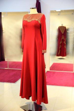 Vestido de noche rojo frambuesa-magenta