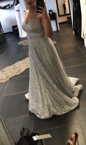 Abito da ballo grigio chiaro-argento