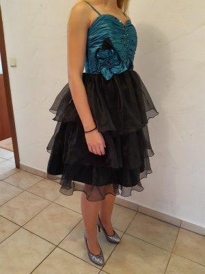 Abendkleid, Abschlussballkleid