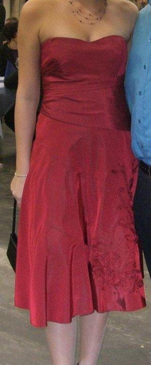 Abendkleid dunkelrot