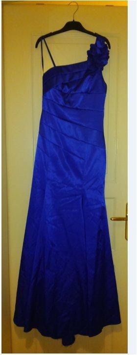Apart Wedding Dress blue