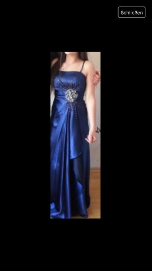 Abendkleid in blau..