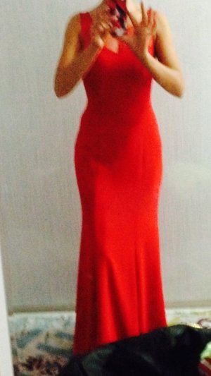Abendkleid in Rot, lang, enganliegend, Grösse S. Tüll im Ausschnitt und Rücken.