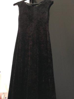 Abendkleid in Samtoptik