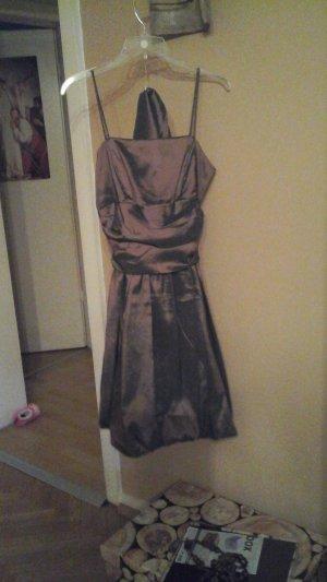Abendkleid mit Stola