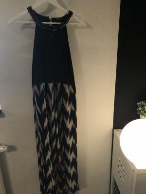 Abendkleid mit tiefem V-Ausschnitt