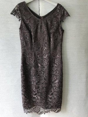Abendkleid oder Cocktailkleid in edler Spitze von Vera Mont collection