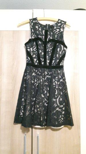 Abendkleid Schick hautfarbe nude schwarz Samt