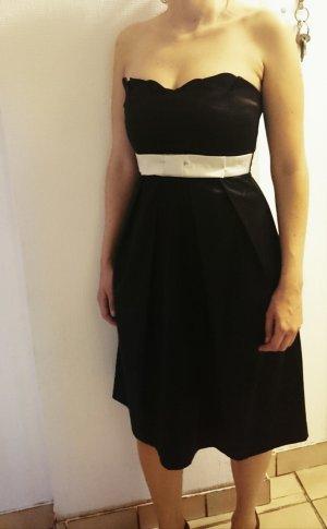 Abendkleid schwarz mit weißem Schleifchen