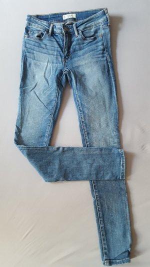 Abercrombie & Fitch Jeans (W24 / L29, 00S)