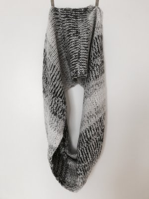 Abercrombie & Fitch Knitted Scarf light grey-grey