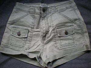 Abercrombie & Fitch Short in khaki, ungetragen in der Gr. 27 *****