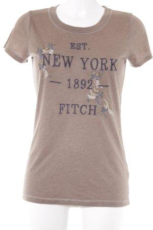 Abercrombie & Fitch T-Shirt Schriftzug gestickt Street-Fashion-Look