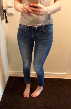 Abercrombie Jeans 27/4s