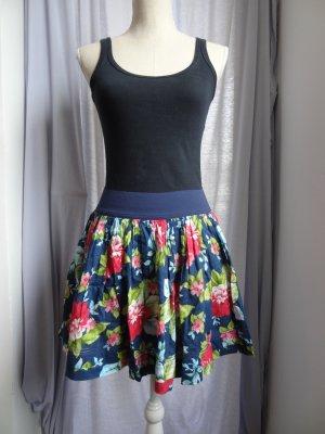 Abercrombie sommerlicher Minirock mit tollem Blumenmuster Gr. M