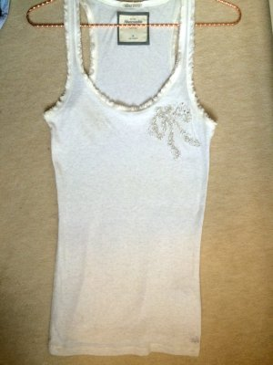 Abercrombie Top creme mit neckischer Perlenschleife