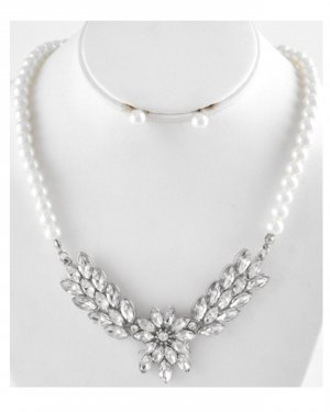 Pearl Necklace white-silver-colored metal