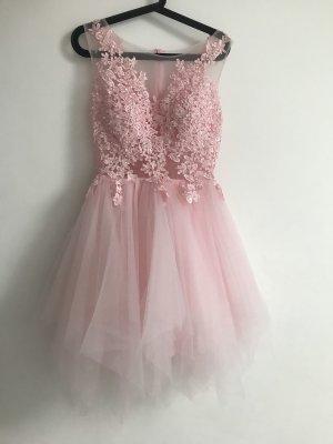 Abito da ballo rosa chiaro