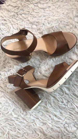 Absätzige Sandaletten