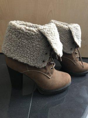 Absatz Schuhe gefüttert