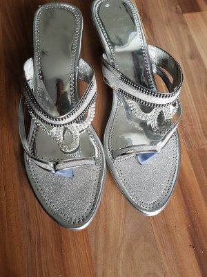 Sandalo infradito con tacco alto argento