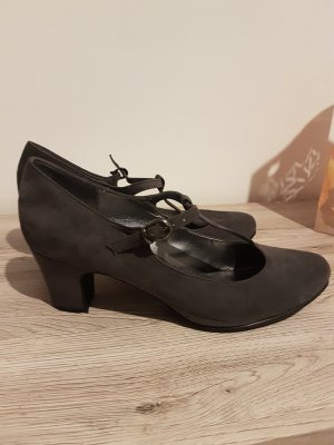 Ariane Strapped pumps grey
