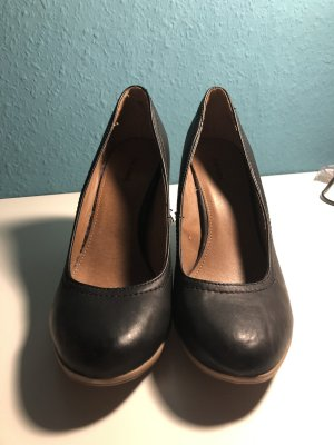 01d0e1b1fff2dd Graceland Women s High-Front Pumps at reasonable prices