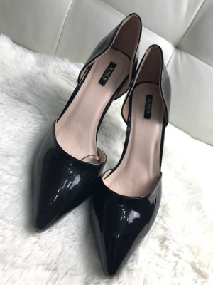 Pointed Toe Pumps black synthetic material