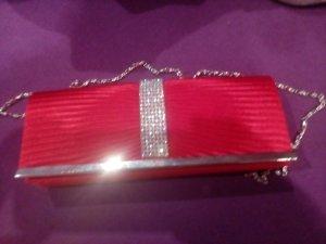 Abschlusskleid in rot plus Tasche