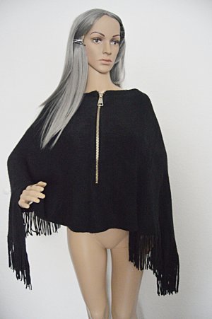 Accesories by Forever Poncho Schwarz