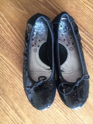 Patent Leather Ballerinas black