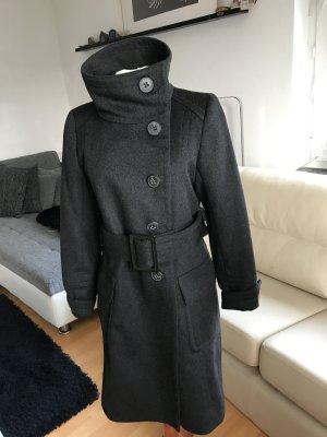 Achtung eleganter Wintermantel von Zara