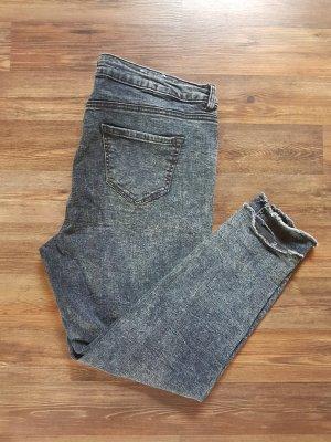 Acid Wash Jeans - 3/4 - Fransen - Gr.42-46 - neuwertig