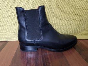 Acne Chelsea Boots Gr 40 schwarz