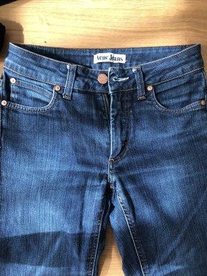 Acne Jeans a gamba dritta blu fiordaliso-blu scuro