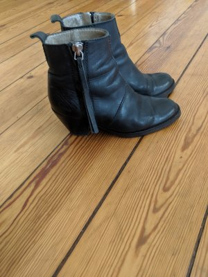 Acne Pistol Boots 37