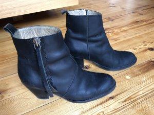 Acne Botas de tobillo negro