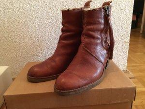 Acne Pistol Boots in Braun