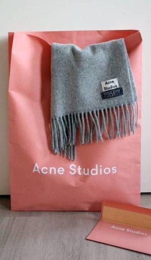 Acne Bufanda de lana gris oscuro