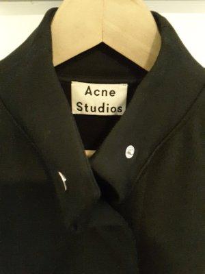 Acne Studios - kastige schwarze Freizeit-Jacke mit blauen Nähten