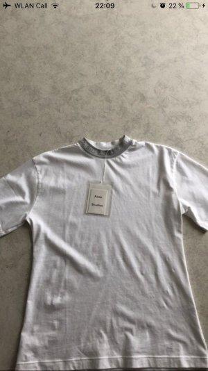 Acne Studios Shirt mit Etikett