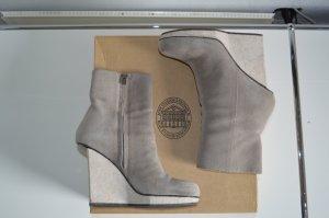 Acne Studios Stockholm Hydro Sue Color: Dust Gr 39 Booties NP 450€