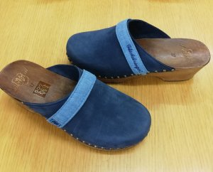 sports shoes c7cbb 825e6 Adelheid Clogs