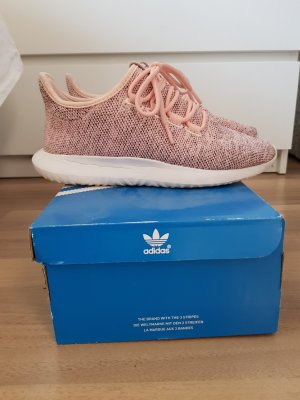 Adidad Sneakers