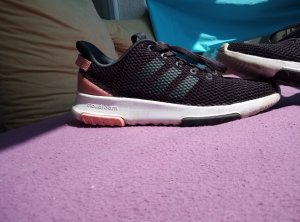 Adidas Originals Lace-Up Sneaker black-pink