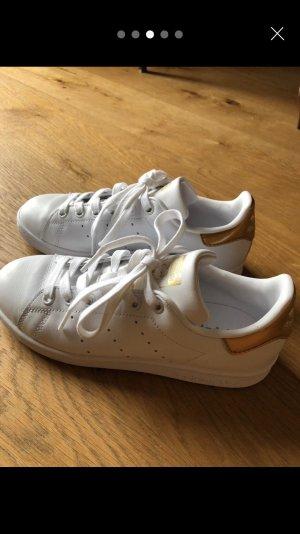 Adidas Sneaker stringata bianco-oro