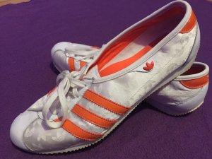 Adidas Ballerinas mit Orangen Streifen, Gr 40 2/3