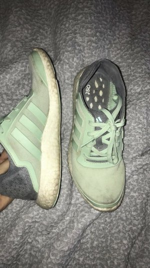 Adidas boost in mint