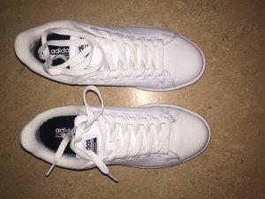 Adidas cload foam weiß