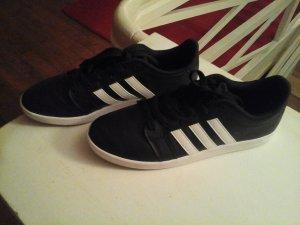 Adidas NEO Basket à lacet blanc-noir